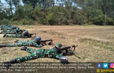 Hati-hati, Sepuluh Prajurit TNI AL Bersenjata Laras Panjang Siap Menembak - JPNN.com