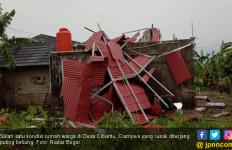 Puluhan Rumah di Bogor Rusak Akibat Tersapu Angin Puting Beliung - JPNN.com