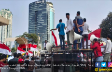 Massa Pro dan Kontra Capim Saling Seruduk di depan KPK - JPNN.com