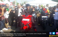 Luhut Janji Dorong Penggunaan Motor Listrik Buatan Anak Bangsa - JPNN.com