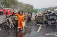 Kecelakaan di Tol Cipularang: Polisi Fokus Evakuasi Korban - JPNN.com