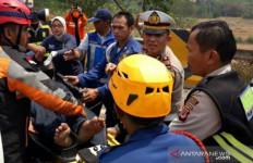 Kecelakaan di Tol Cipularang: 8 Orang Tewas - JPNN.com