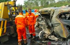 Korban Tewas di Kecelakaan Tol Cipularang Tak Diketahui Identitasnya - JPNN.com