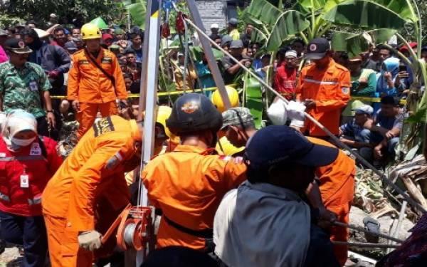 Tragis, Ayah dan Anak Tewas di Dalam Sumur - JPNN.com