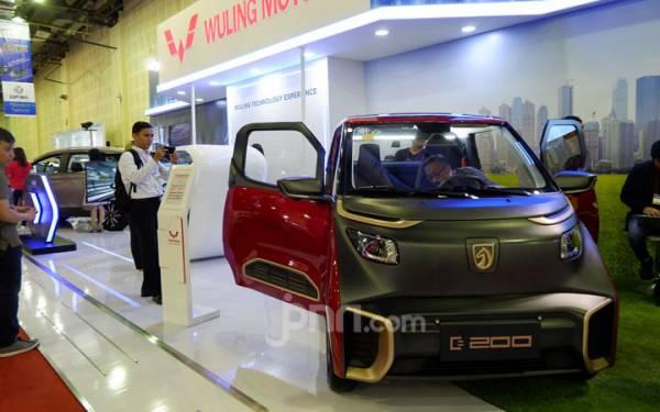 Uang Muka Ringan untuk Green Financing, Termasuk Kredit Mobil Listrik? - JPNN.com