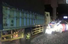 Mobil PJR Ditabrak Truk, Aiptu Imran Meninggal Dunia, Brigadir Daniel Luka-Luka - JPNN.com