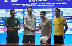 Indonesia vs Malaysia: Simon Pengin Atmosfer GBK Seperti 2010, Debu Berjatuhan - JPNN.com