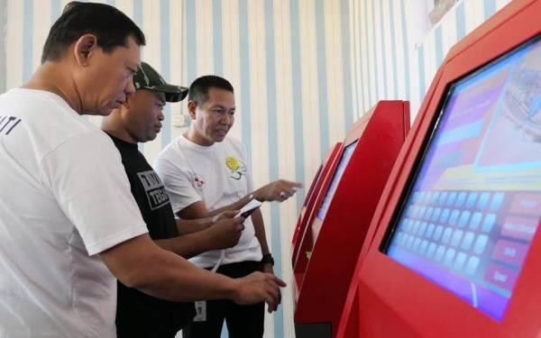 Rayakan HPN 2019, Pelni Sosialisasikan Layanan Check-in Mandiri di Makassar - JPNN.com