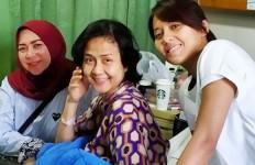 Ria Irawan Meninggal, Melly Goeslaw: Kenapa Loe Enggak Tungguin Gue - JPNN.com