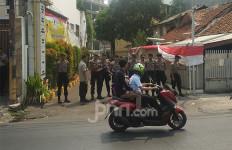 Ratusan Pendukung Bambang Soesatyo Kecewa Kantor Partai Dikunci AMPG - JPNN.com