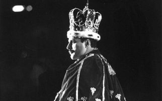 Freddie Mercury, Majusi dan Asma Allah di Jagat Rock