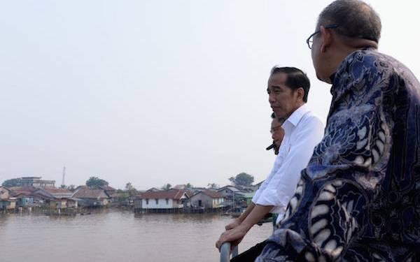 Jokowi Tinjau Program Penataan Kawasan Tepian Sungai Kapuas - JPNN.com