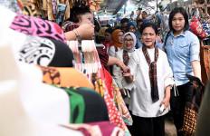 Jokowi Resmikan Pabrik Esemka, Iriana Blusukan di Pasar Beringharjo - JPNN.com