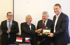Kunjungan DPR ke Parlemen Ceko Tingkatkan Kerja Sama Bilateral - JPNN.com