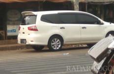 PKL di Jalan Raya Cileungsi Diperas Oknum Preman - JPNN.com