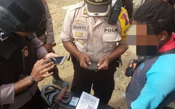 Masih Ada Selebaran, Pasukan TNI dan Brimob Tetap Siaga - JPNN.com