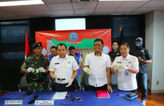 Kamar Hotel Digerebek, Eh Ada Lima Oknum TNI - JPNN.com