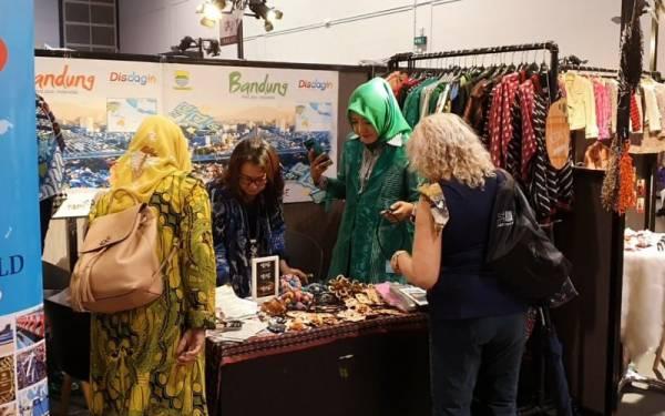 Produk Fesyen Bandung Dipamerkan di Hong Kong - JPNN.com