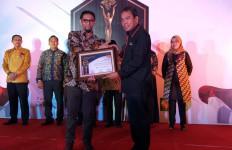 Dirut Pelindo IV Sabet Dua Penghargaan 7Sky Media Award 2019 - JPNN.com