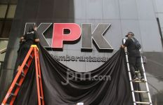 Jokowi Sikapi Penonaktifan 75 Pegawai KPK oleh Firli Bahuri, Kalimatnya Tegas - JPNN.com
