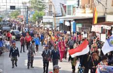 Satgas Pelantara IX Sail Nias 2019 Gelar Pawai Budaya di Kota Sibolga - JPNN.com