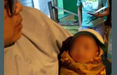 Bayi Dibuang di Warung Bubur, Terselip Secarik Surat, Ini Isinya - JPNN.com