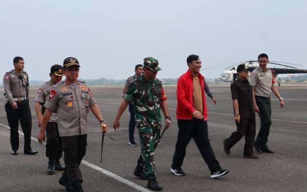 Resmi Pimpin DPRD, Ketua PDIP Jambi Tinjau Lokasi Karhutla - JPNN.com