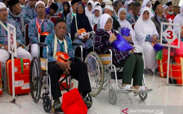 12 Jemaah Haji Masih Tertinggal di Arab Saudi - JPNN.com