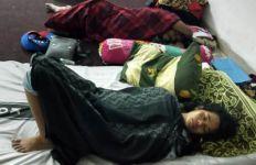 Bu Titi Tidur Bareng Honorer K2, Insyaallah Kebahagiaan Datang pada Waktunya - JPNN.com