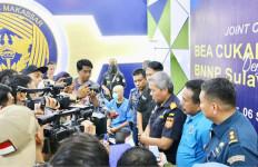 Penyelundupan Ganja Bermodus Barang Kiriman Berhasil Digagalkan - JPNN.com