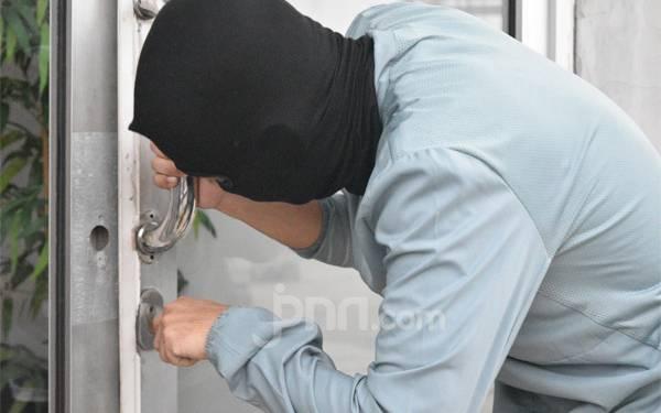 Detik-detik Saat Pencuri Kebingunan Cari Pintu Keluar dari Rumah Mewah - JPNN.com