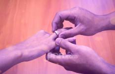 Larangan Menggelar Pernikahan Dicabut, Tetapi Pengantin Tidak Boleh Ciuman - JPNN.com