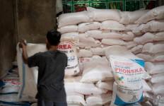 Kementan Pastikan Stok Pupuk Bersubsidi Aman Jelang Musim Tanam - JPNN.com