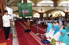Wagub Jabar Usul Ada Hari Anak Yatim Nasional, Bagaimana Pak Jokowi? - JPNN.com