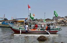 NU Peduli Salurkan Bantuan Perahu untuk Nelayan Terdampak Tsunami Selat Sunda - JPNN.com