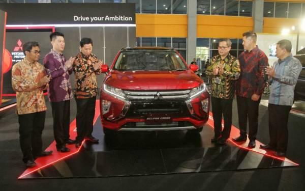 3 SUV Baru Mitsubishi Goda Pengunjung GIIAS Makassar 2019 - JPNN.com