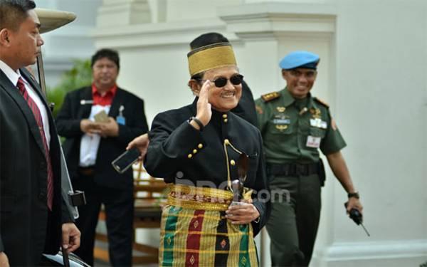 BJ Habibie jadi Presiden Pertama RI yang Dimakamkan di TMP Kalibata - JPNN.com