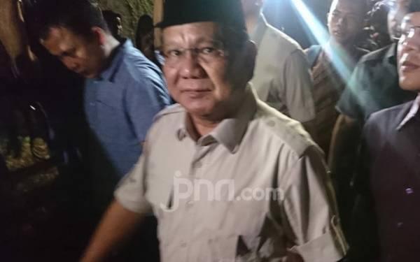 Rumor Prabowo Minta Jatah Menhan di Kabinet Jokowi-Ma'ruf, Ini Kata Pengamat - JPNN.com