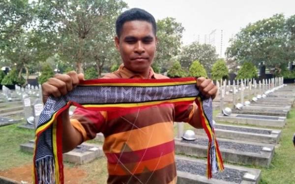 Warga Timor Leste Ziarah ke Makam BJ Habibie, Begini Omongannya - JPNN.com