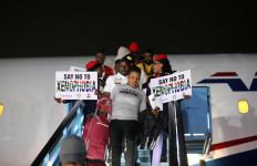 Dipersekusi Pribumi, Ratusan Warga Nigeria Tinggalkan Afrika Selatan - JPNN.com