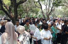 Ribuan Warga Padati Area Pemakaman BJ Habibie - JPNN.com