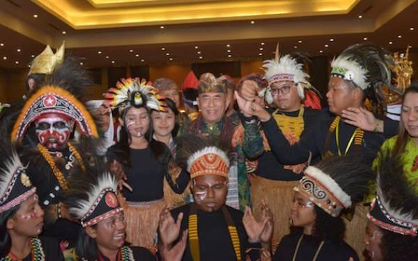 Menhan Berharap Banyak Generasi Muda Papua Kelak Jadi Pemimpin - JPNN.com