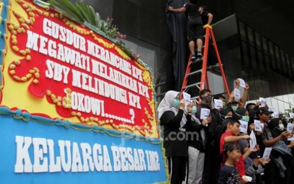 Sikap Pimpinan KPK Mengambang, kok Tidak Mundur Sekalian? - JPNN.com