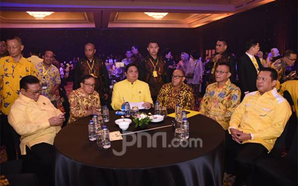 Golkar Berikan Penghargaan ke Kader Muda yang Lolos Parlemen - JPNN.com