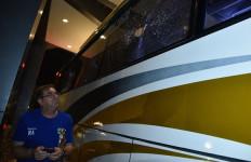 Bus Persib Diserang: Pelipis Febri Hariyadi Berdarah, Kepala Omid Nazari Sobek - JPNN.com