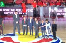 Terima Bendera FIBA, Erick Thohir: Indonesia Harus Bersiap Serius - JPNN.com