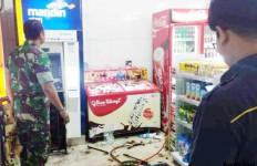 Perampok Bertopeng Ubrak-Abrik Minimarket, Uang Rp 630 Juta di ATM Dibawa Kabur - JPNN.com