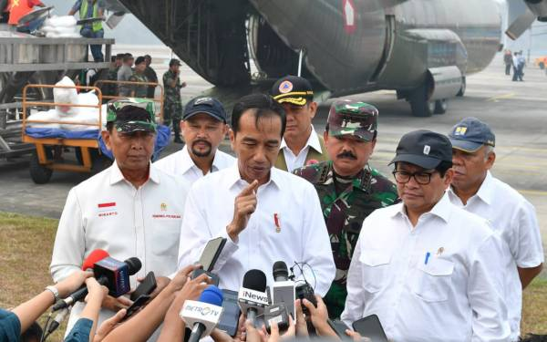 Waduh, Jokowi Sudah Kehabisan Cara Memadamkan Karhutla di Riau - JPNN.com
