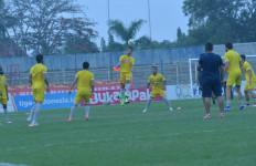 Kabar Buruk Bagi Fan Perseru BLFC Jelang Lawan Kalteng Putra - JPNN.com