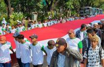 Bawa Bendera Raksasa ke Depan Istana demi Desak Jokowi Segera Lantik Firli Cs - JPNN.com